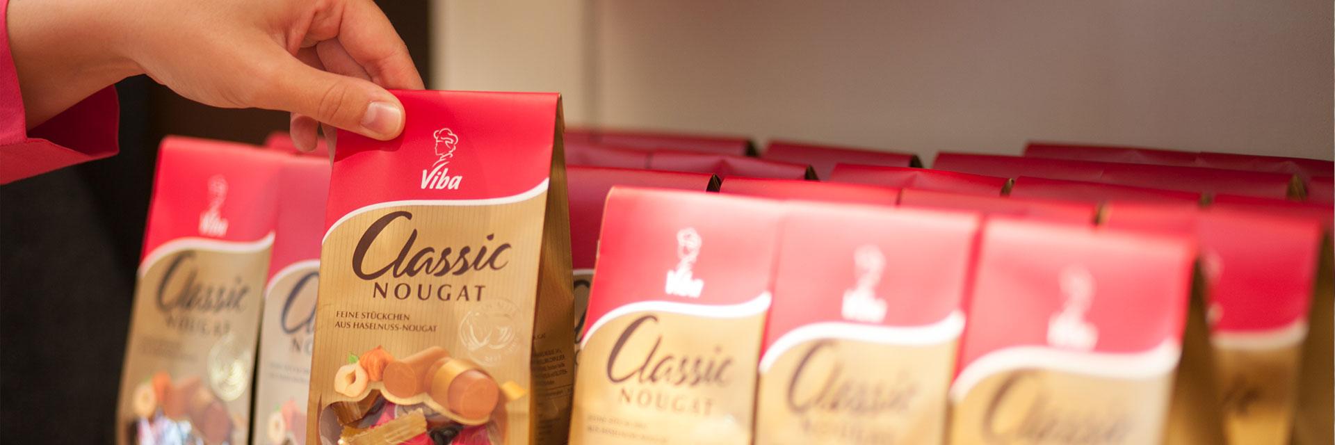 Unsere Confiserie Erfurt bietet Classic Beutel im Regal an.