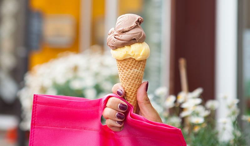 Eis essen bei Viba